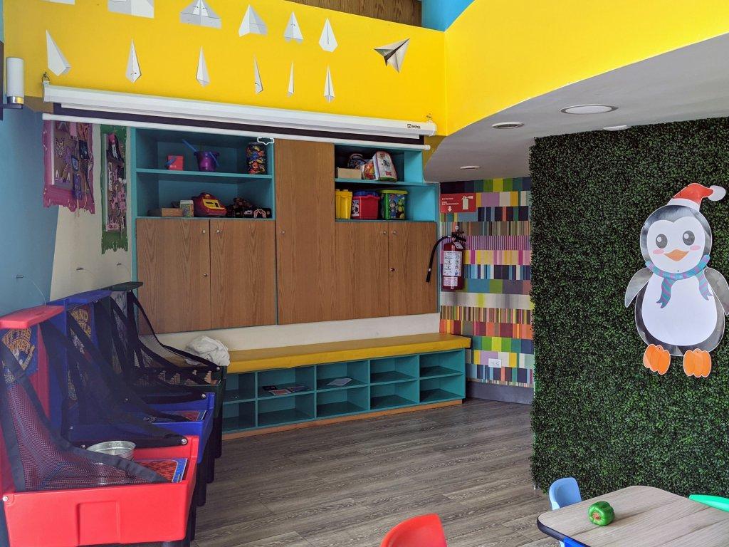 beach-palace-playroom
