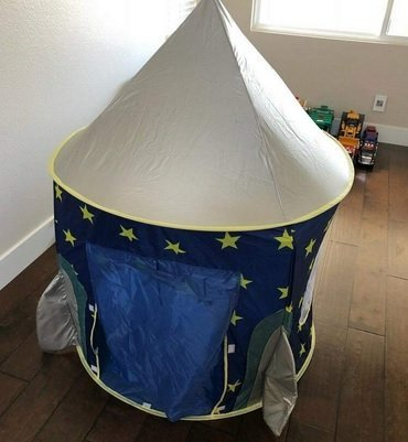 Play Tent 2-year-old boy