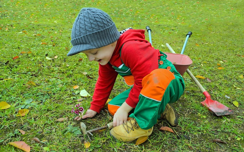 10 Fun Gardening Activities For Kids Parenting Lifestyle