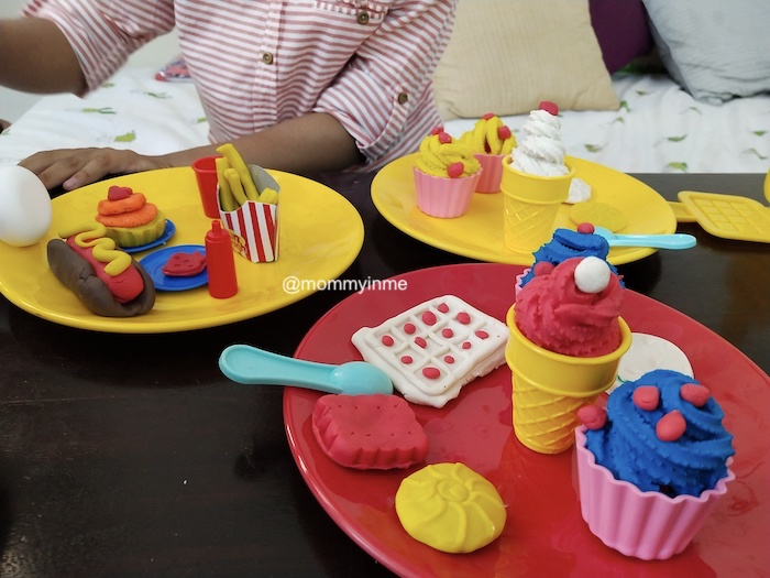 Dough is an ultimate fum for kids more than 3 years old. Playing with Playdough and Fundough not just ignites creativity but also helps in social, emotional, linguistic and fine motor developments. It helps kids build up a self confidence. Read about fundough from the house of best toy brand in India, FUnskool #funskool #fundough #playdough #dough #creativekids #raiingkids #play #motherhood #pretendplay #roleplay