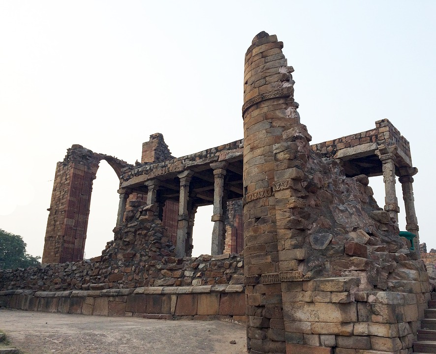 Qutub Minar : Delhi places to visit
