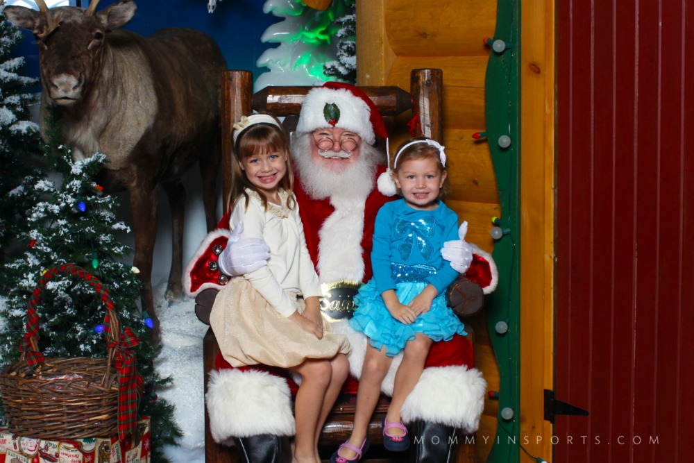 Emy & Lila Santa 2014