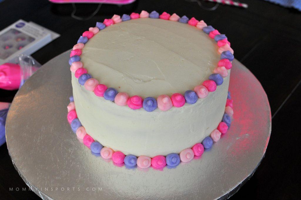 Palace Pets Cake dots finished