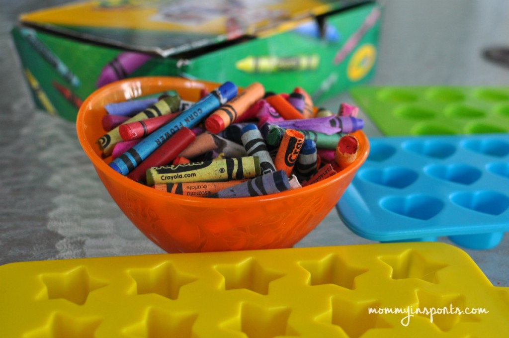 Looking for a way to upcycle those broken crayons? Save this project for a rainy day and turn those crayons into DIY Crayon Party Favors!