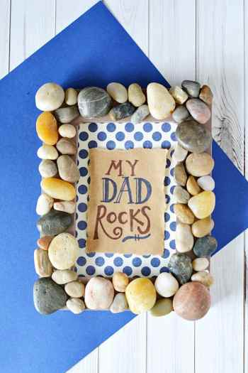 This DIY My Dad Rocks picture frame is the perfect DIY Father's Day Gift that dad could proudly display on his desk at work.