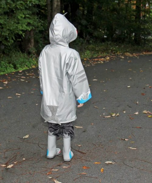 kidorable-shark-raincoat-7