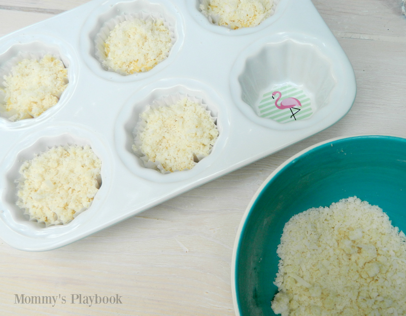Pina Colada Muffins with Coconut Streusel Recipe #Muffins #QuickMuffins #Streusel