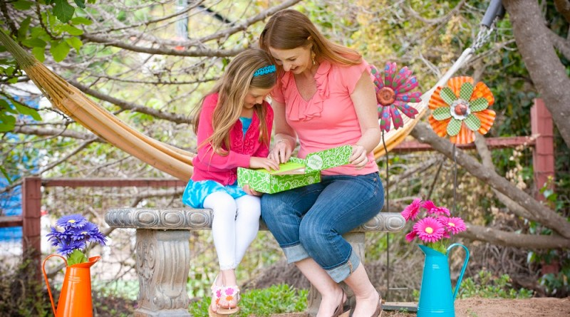 Learn about Green Kid Crafts' Monthly Subscription Service at Mommy's Playbook