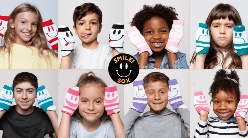 Nothing you wear is more important than a smile! Enter to #WIN 6-pair 6-expressions of @SmileSox and get 15% OFF all products + FREE Shipping on smilesox.com with discount code: smilesox15