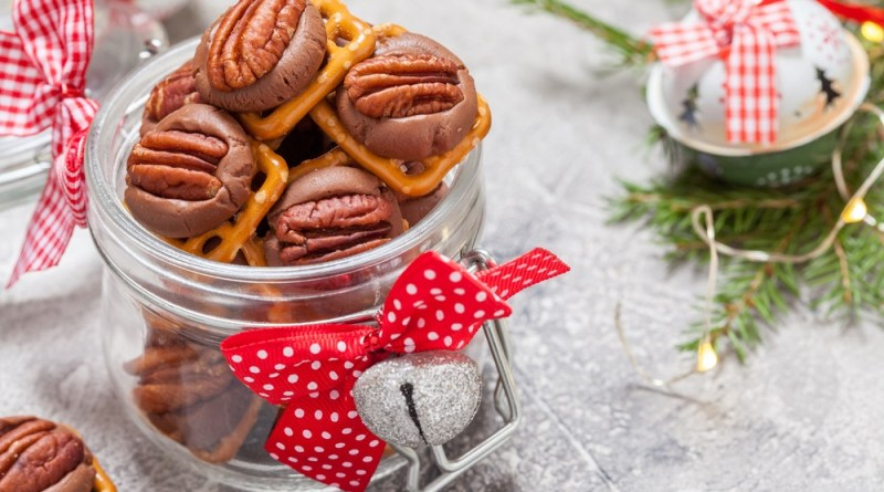 Christmas Food Gift: Pecan Candy Bites