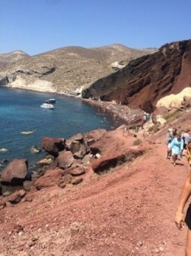 Santorini Beaches: This is a great list of tips for your visit to Santorini and the amazing Red beach! Check out our tips for an amazing Greece vacation!