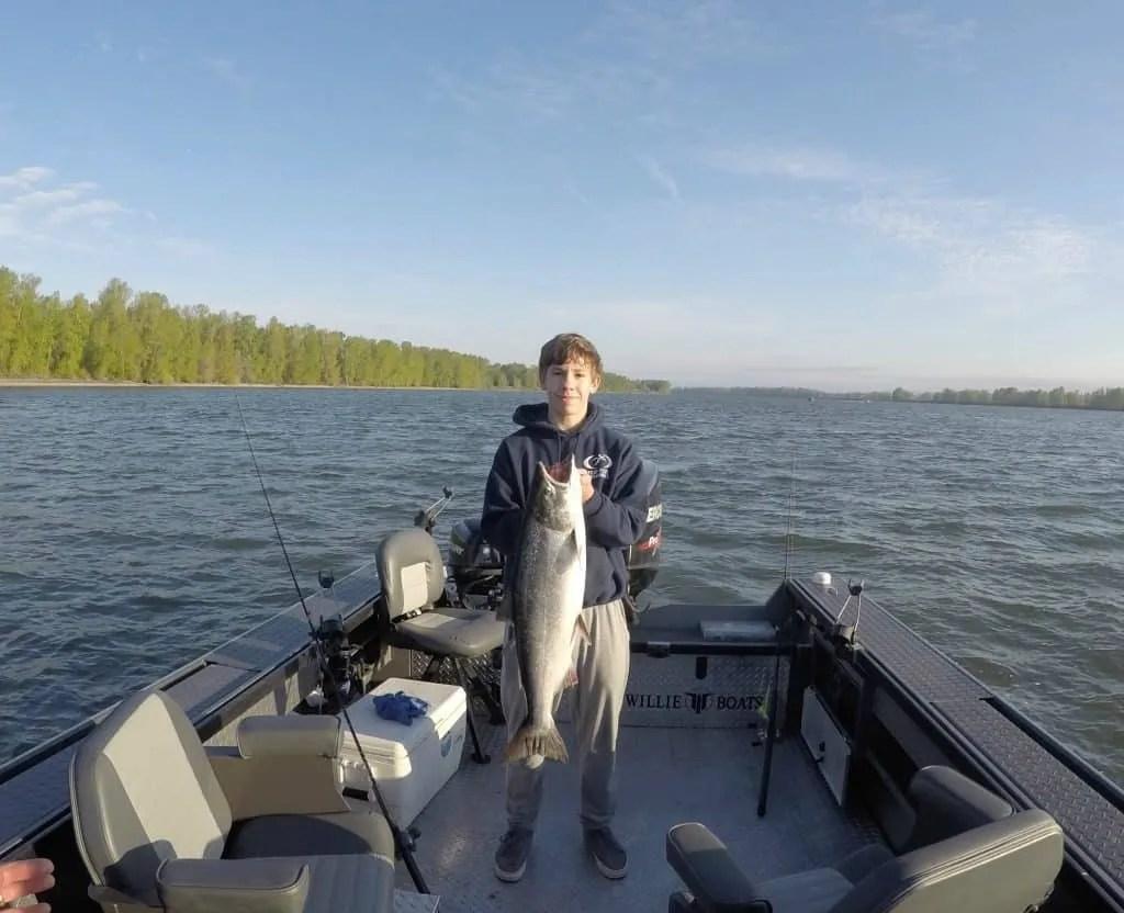 salmon fishing on the Columbia Gorge river