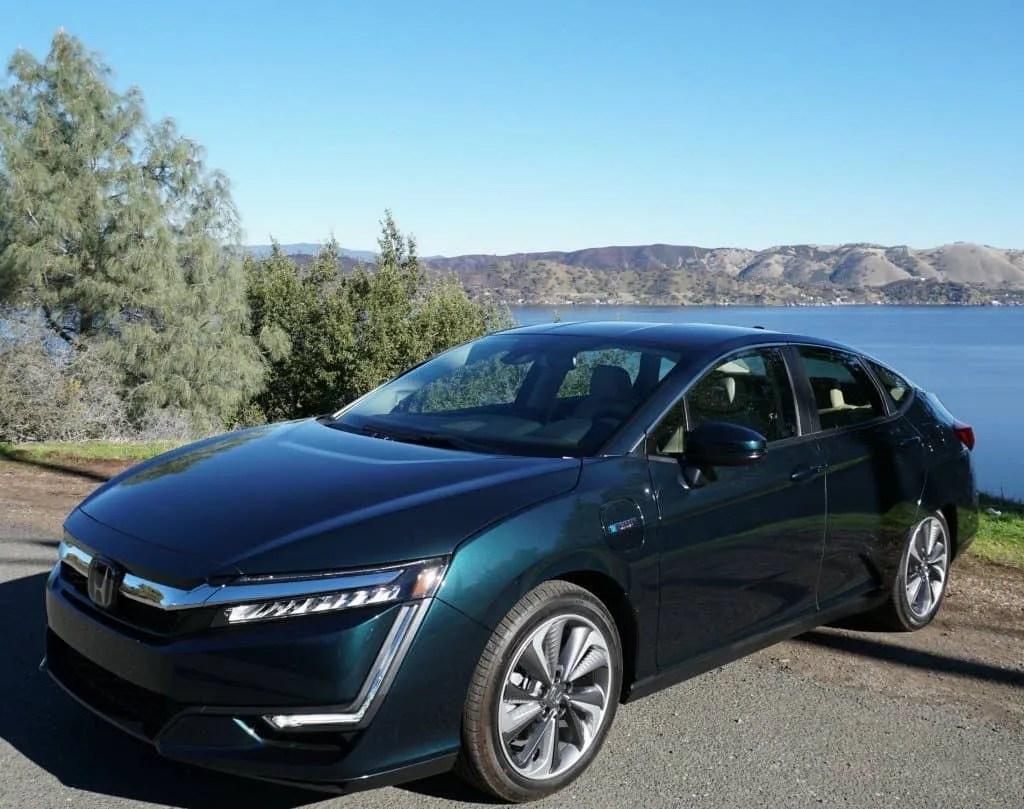 2018 Honda Clarity Plug-in Hybrid in Moonlite Forest Pearl