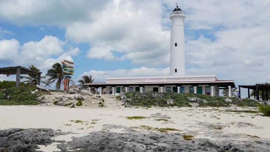 Lighthouse at Punta Sur Park