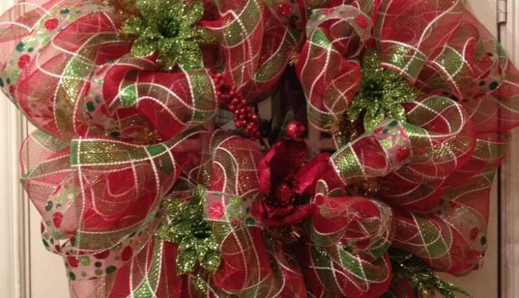 how to make a deco mesh wreath - How To Make A Christmas Wreath With Mesh