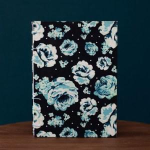Roses in the dark notitieboek