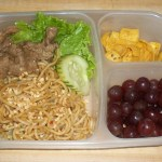 What's In Our Lunch – Thai Noodles with Garlic & Ginger Beef