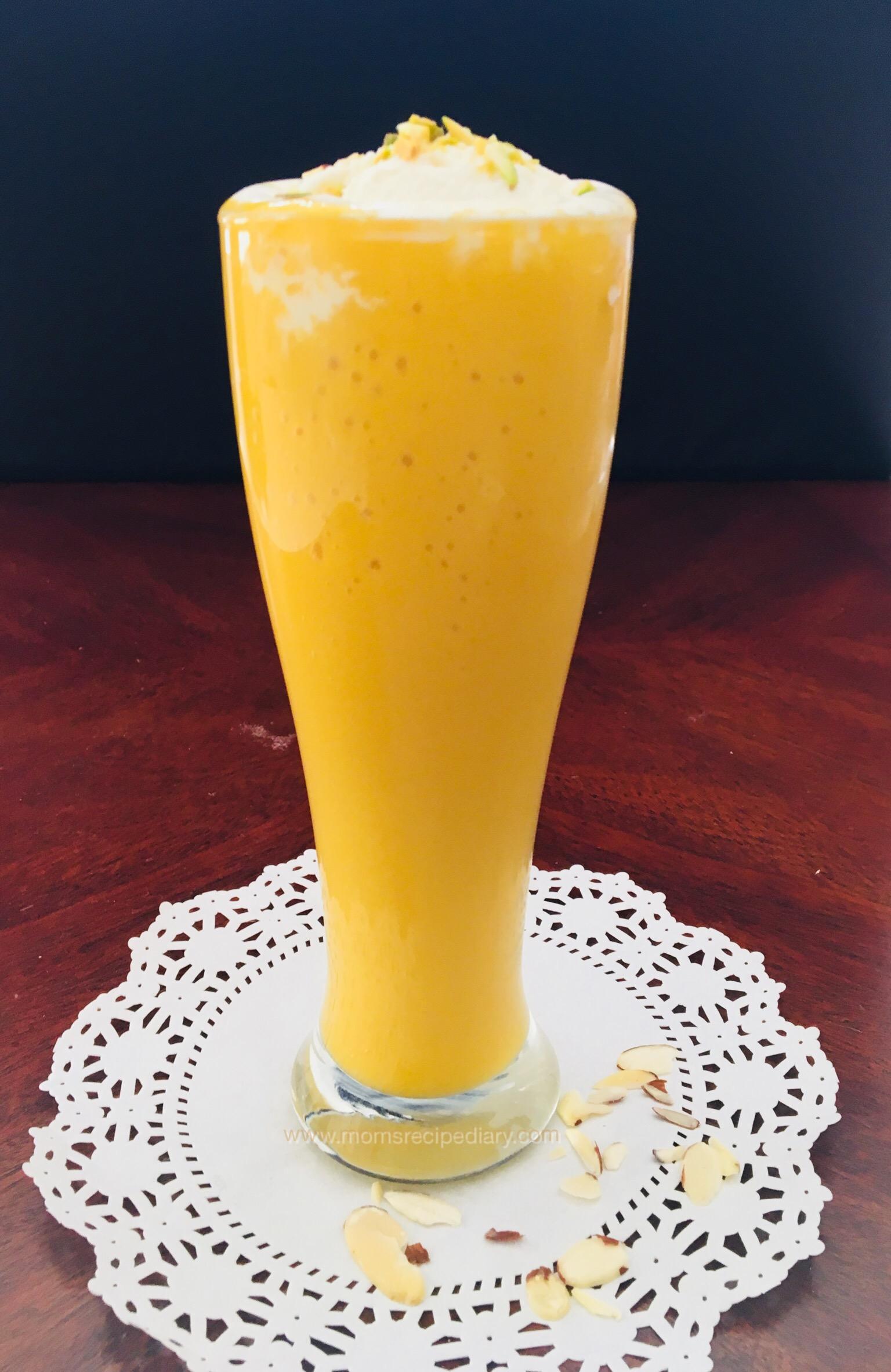 How to make a mango smoothie with vanilla ice cream