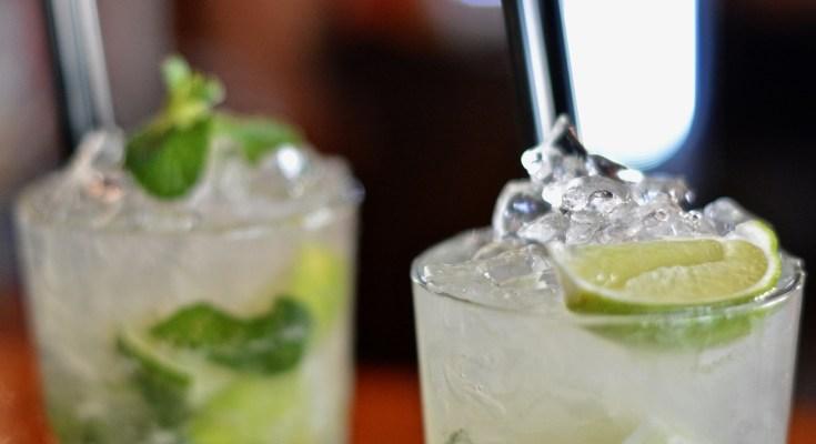 ice, glass, lemon