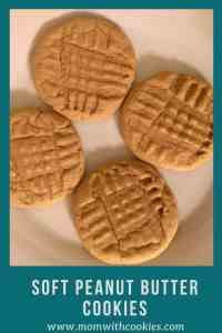 Soft Peanut Butter Cookies - www.momwithcookies.com #peanutbutter #peanutbuttercookies #cookies #peanutbuttercookiesrecipe #recipe