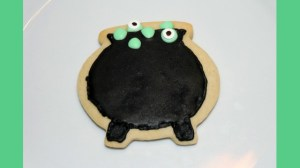 Cookie Decorating: Witches Cauldron Cookies