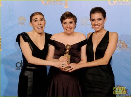 lena-dunham-girls-wins-best-comedy-series-at-golden-globes-2013-12