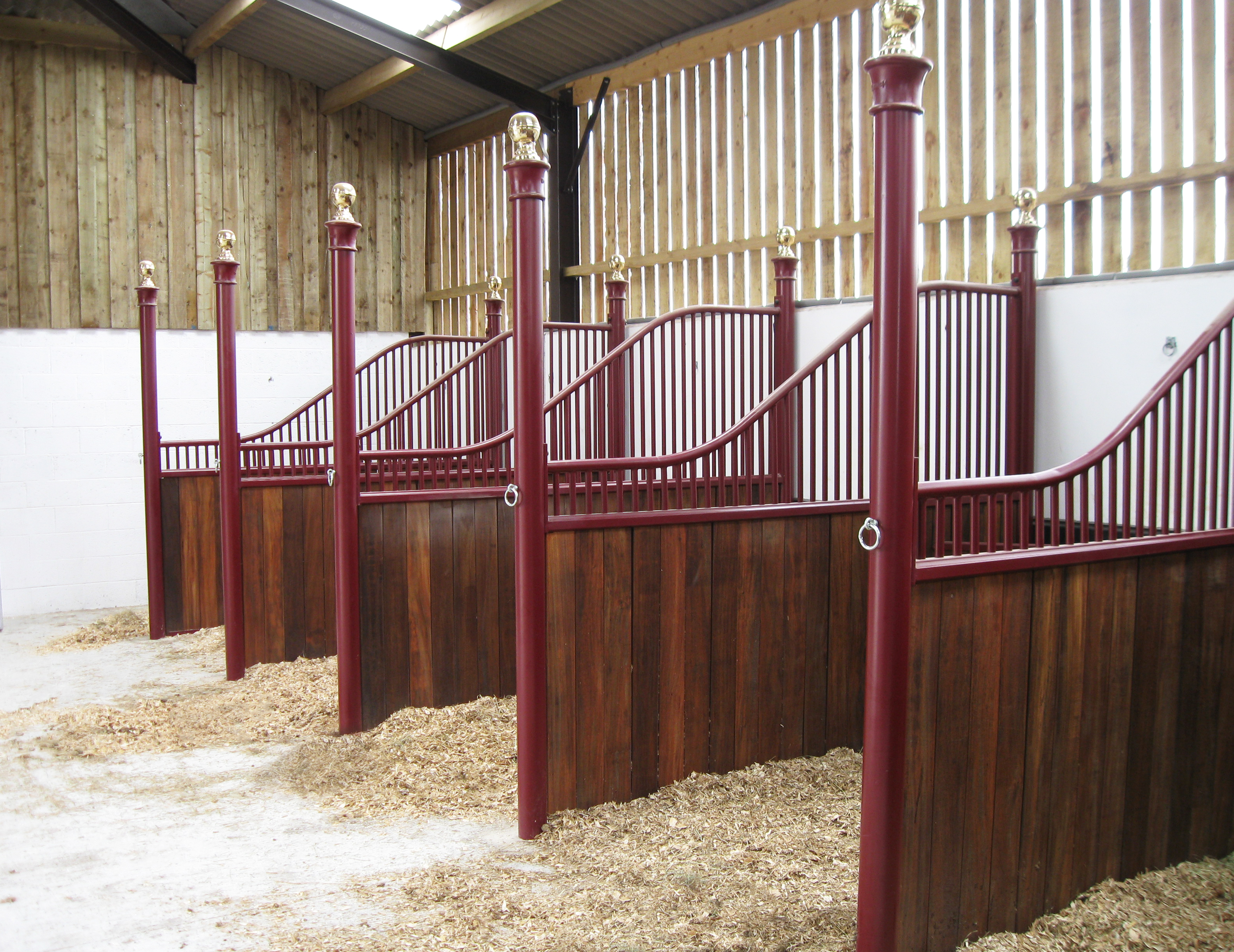 Monarch Equestrian Red Powder Coated Swan Neck Divisions