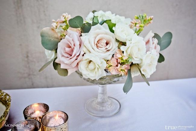 Flowers-welcome-table-Great-gatsby-prado-balboa-park-wedding-san-diego-wedding-planner