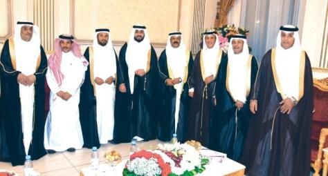 آل السياري وآل مقنع يحتفلون بزفاف موفق