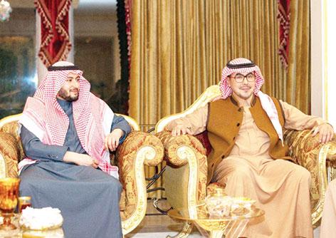 عبدالله بن سعود يحتفي بخطوبة ابنته