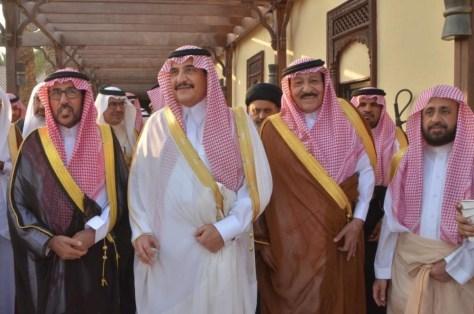 """الأمير محمد بن فهد يُقيم مأدبة غداء لـ""""أعيان الشرقية"""""""