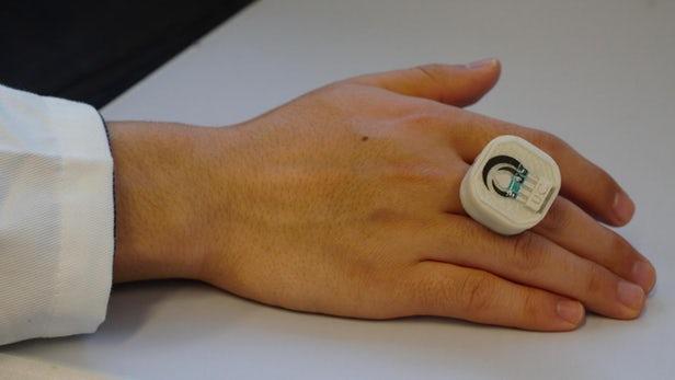Un anneau qui détecte les explosifs et plus
