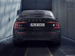 Volvo S60 2019 arrière nuit noir