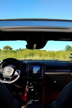 Volvo XC40 T3 Momentum R Design planche de bord toit ouvrant
