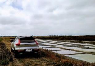 Volvo XC40 T3 Momentum R Design dans les salines ile de ré