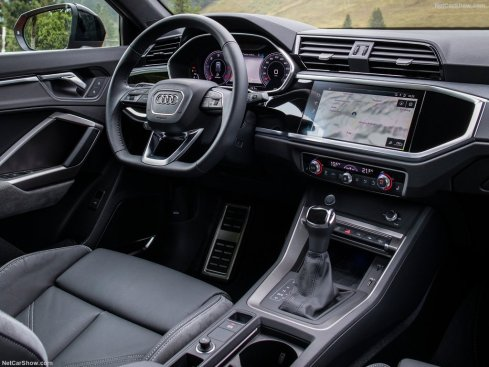 tableau de bord Audi Q3 Sportback 2020