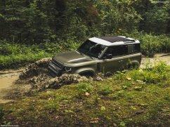 Galerie Land Rover Defender 2020 version 90 mode tout terrain