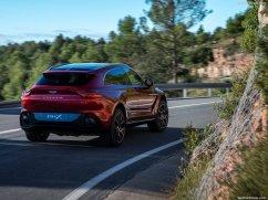 Aston Martin DBX 2021 3/4 arrière