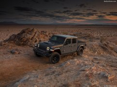 Jeep-Gladiator_Mojave-2020-1024-06