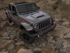 Jeep-Gladiator_Mojave-2020-1024-0e