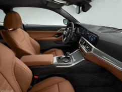 conducteur BMW Série 4 coupé 2021
