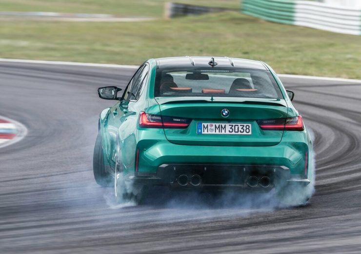 BMW M3 2021 sur piste