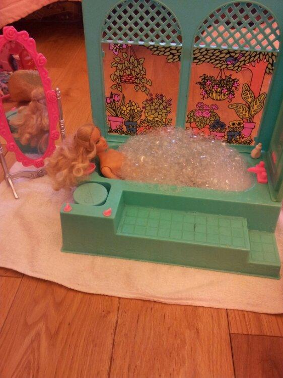 Bricolage et Barbie | Mon blog de maman