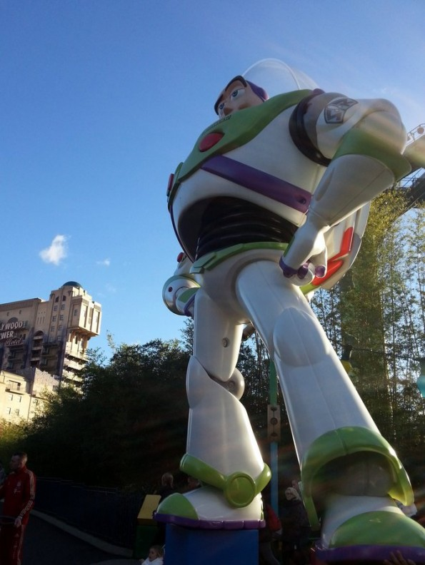 buzz-leclair-disneystudio-001