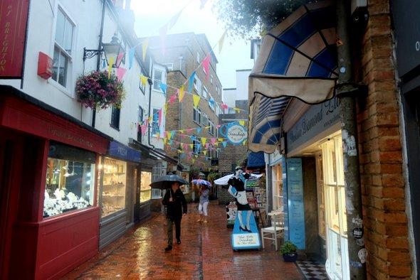 brighton-lane-rain