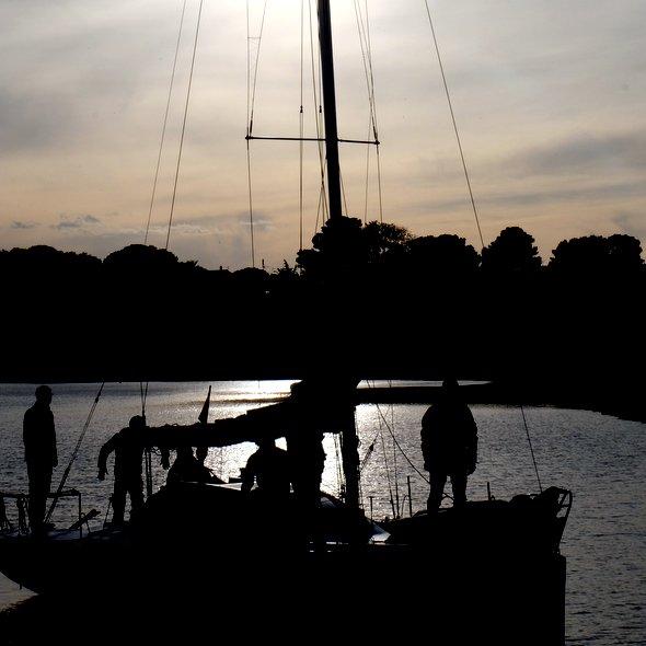 meze-sunset-boat