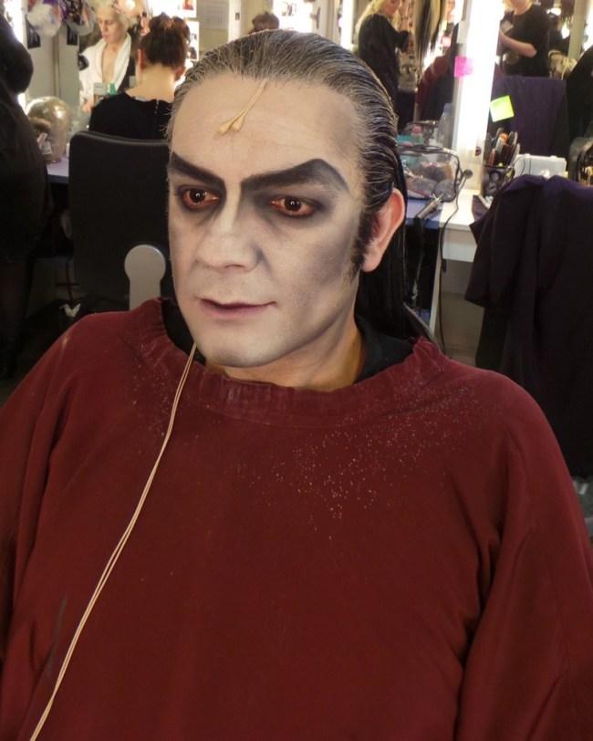 Bal des vampire Mogador - tuto makeup - transformation en vampire 2