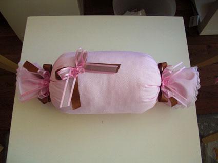 Puantiyeli Bonbon Yastık