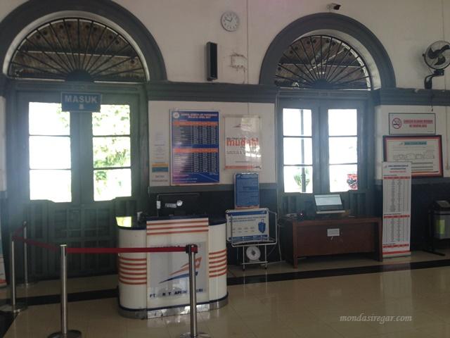 Naik Kereta Api ke Sukabumi, Beli Tiket Go Show atau Online?