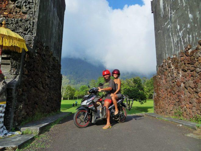 alugando uma moto no sudeste asiático